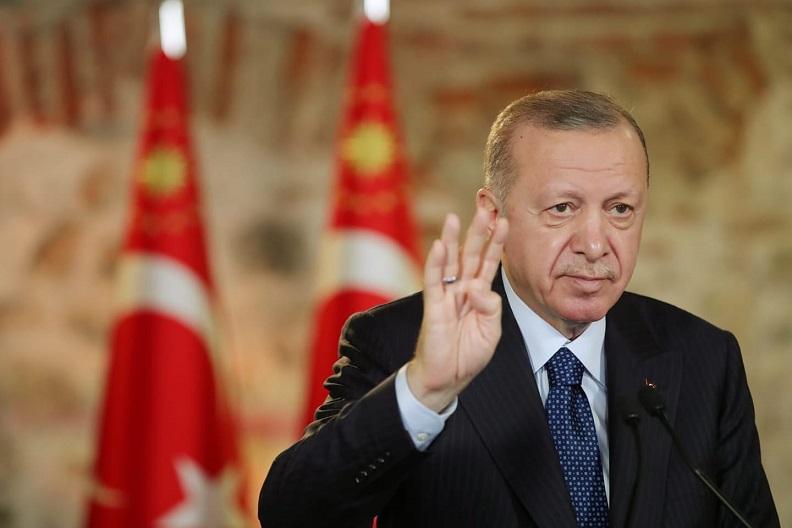 """Cumhurbaşkanı Erdoğan, """"G-20 ülkeleri arasında 2020'yi pozitif büyümeyle kapatabileceği anlaşılan iki ülkeden biri Türkiye'dir"""""""